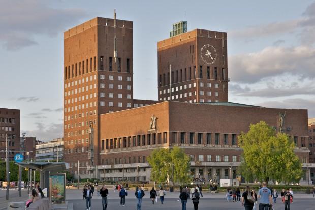 Oslo_rådhus_(by_alexao)