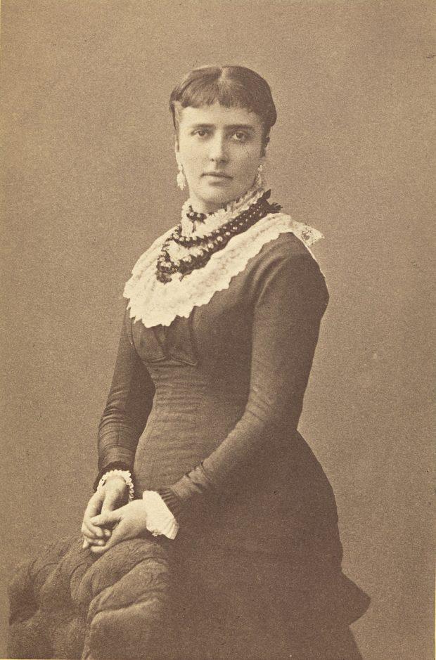 Portrett_av_Amalie_Skram,_1877_(cropped)