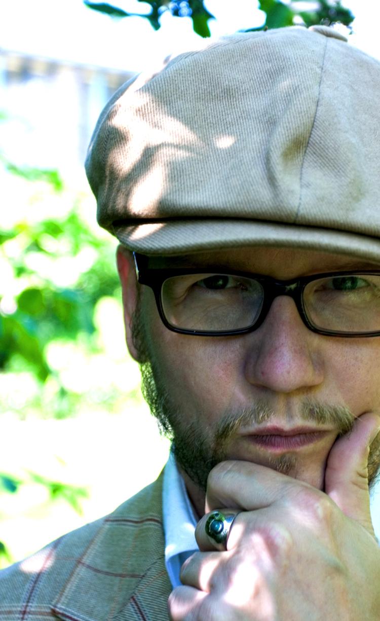 Den islandske forfatteren Sjón fotografert av Hordur Sveinsson