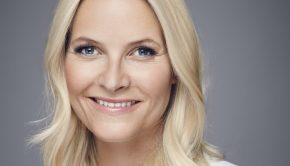 Kronprinsesse Mette-Marit fotografert av Jørgen Gomnæs, Det kongelige hoff