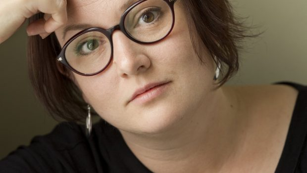 Fotografi av den svenske forfatteren Jessica Schiefauer - Gyldendal forlag