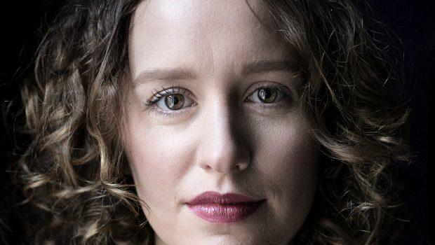 Pressefotos af forfatteren Olga Ravn for Gyldendal. Foto: Lærke Posselt