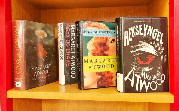 Foto av forsider av Margaret Atwood