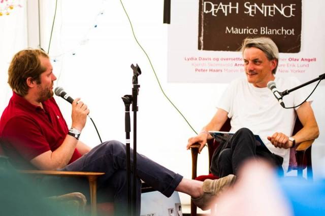Audun Vinger intervjuer Ando Woltman fra King Midas. Festivalbiblioteket. Øya 2013.
