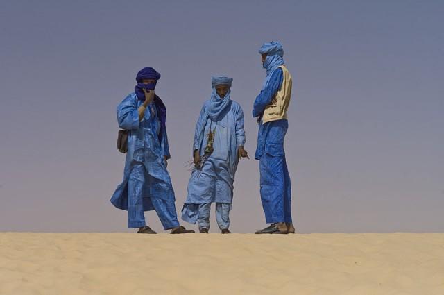 800px-Touaregs_at_the_Festival_au_Desert_near_Timbuktu,_Mali_2012
