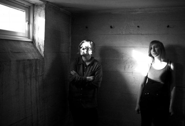 Et av ukas musikalske sidespor: Norsk-svenske Hey Gloria skaper mørke og melankolske stemninger på sin nye singel.