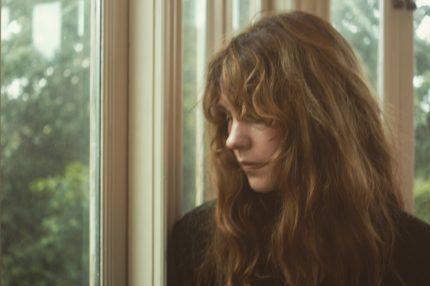 Et av ukas musikalske sidespor: Ida Jenshus utrykksfulle, betagende stemme kler den nye singele i aller høyeste grad. Foto:J.D. Souther